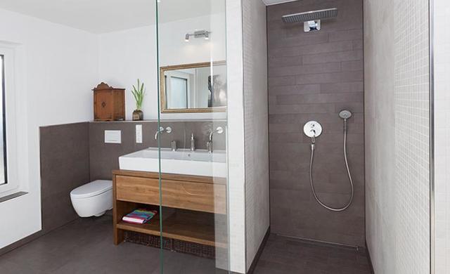 begehbare dusche im wilden verband