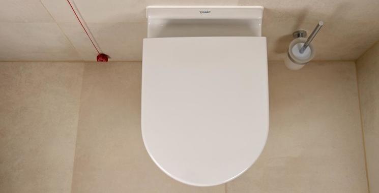 wc im badezimmer mit fliesen von kemmler