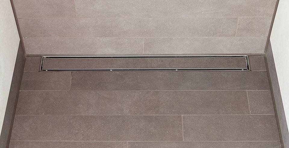 begehbare und bodenebene duschen l fliesen kemmler. Black Bedroom Furniture Sets. Home Design Ideas