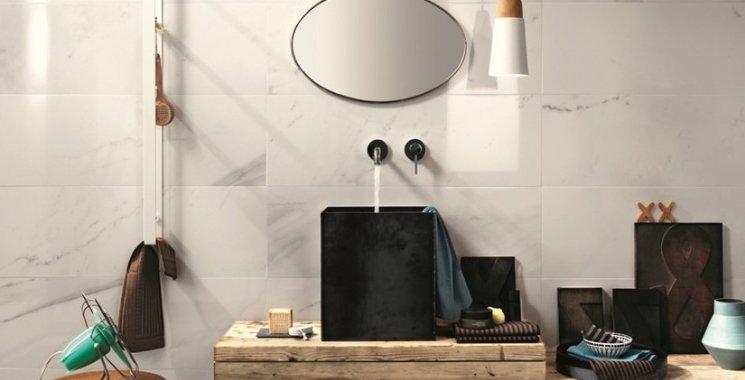 marmor optik fliese im badezimmer
