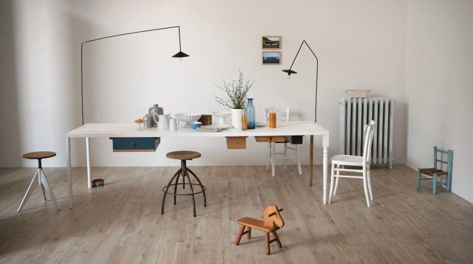 fliesen legen ohne fugen funktioniert das fliesen kemmler. Black Bedroom Furniture Sets. Home Design Ideas