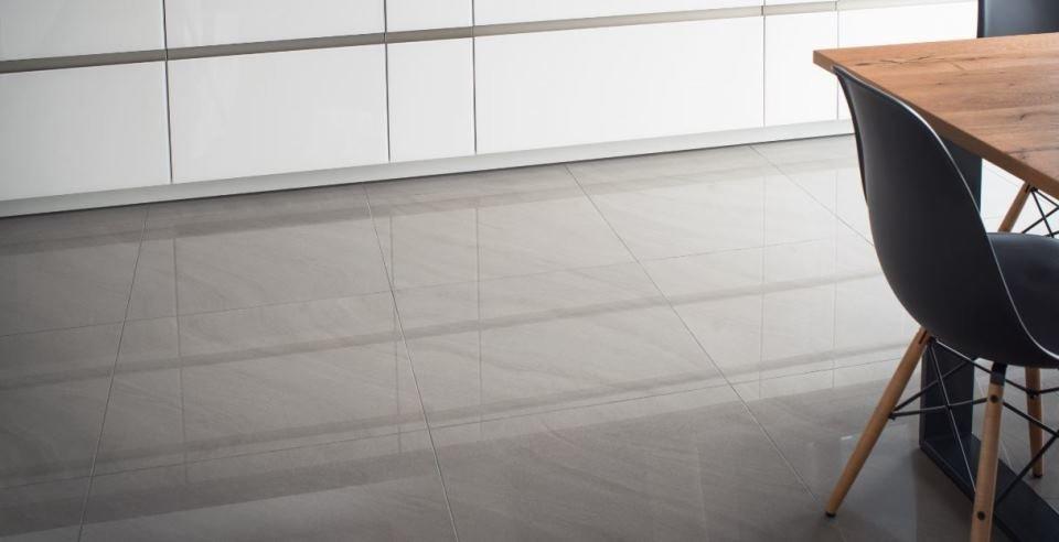 Hochglanzfliesen Jetzt Inspirieren Lassen FliesenKemmler - Fliesen grau glänzend