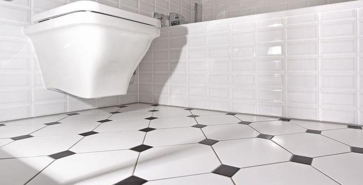 weiße metro-fliese im badezimmer verlegt wirkt sehr edel