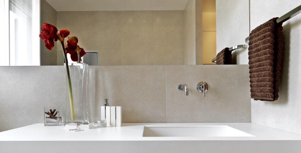 fliesen in betonoptik sthetik pur fliesen kemmler. Black Bedroom Furniture Sets. Home Design Ideas