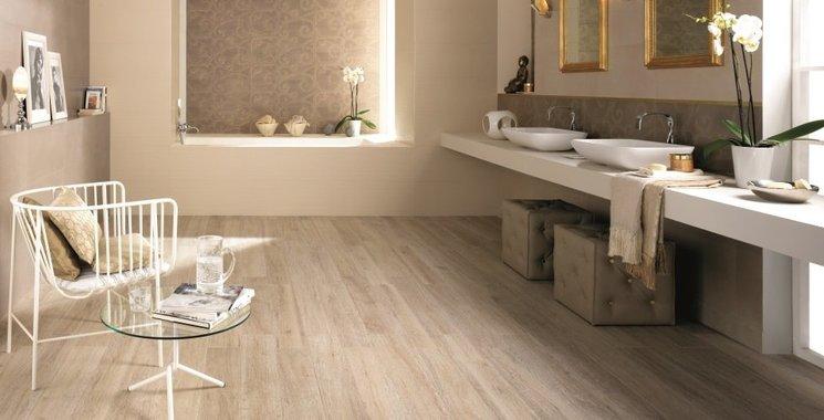 Fliesen-Kemmler setzt auf HolzOptik-Fliesen-auch im Badezimmer