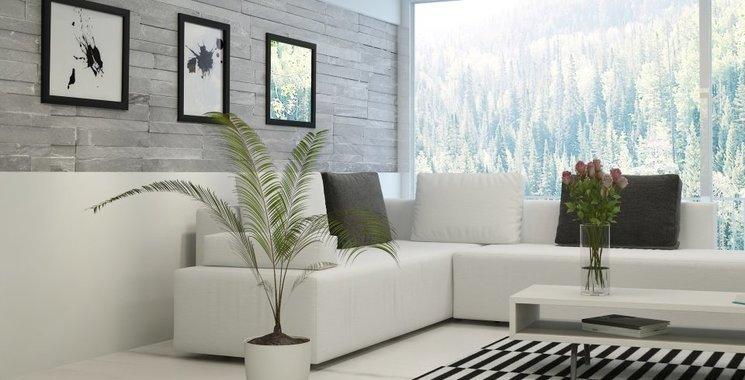 graue verblender im wohnzimmer