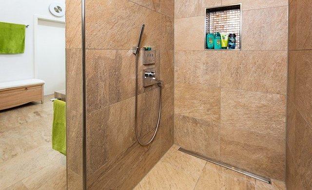 Rutschhemmung Bei Fliesen Warum Sie Wichtig Ist FliesenKemmler - Rutschfestigkeitsklassen fliesen dusche