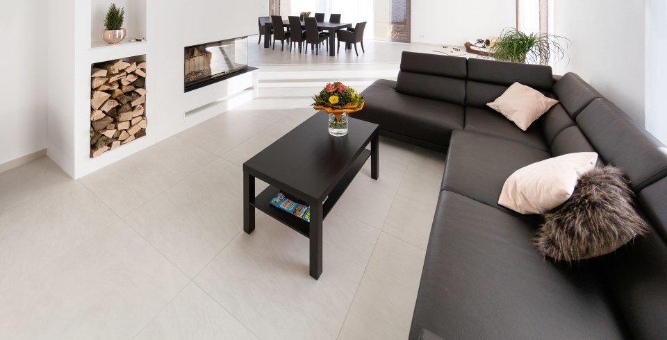 fliesen um kamin und ofen sch n brandsicher fliesen kemmler. Black Bedroom Furniture Sets. Home Design Ideas