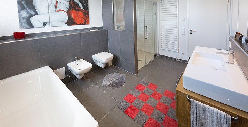 Fliesen im badezimmer großformat
