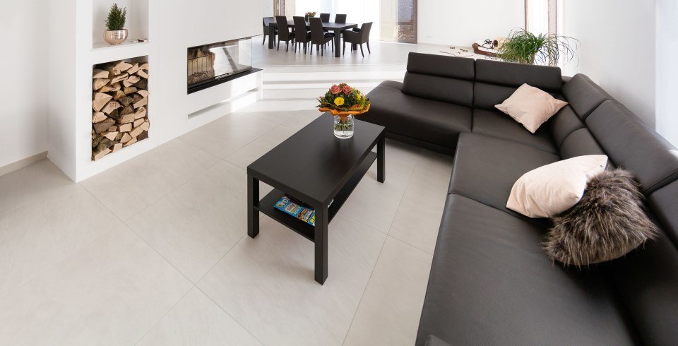betonoptik-fliese im wohnzimmer