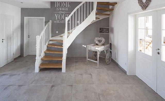 treppenstufen mit fliesen tipps bei fliesen kemmler. Black Bedroom Furniture Sets. Home Design Ideas