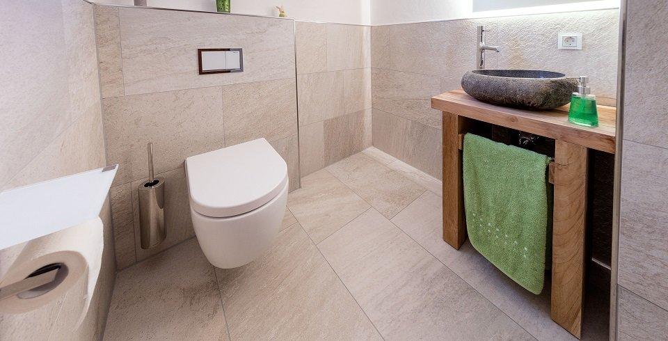 fliesen im g ste wc. Black Bedroom Furniture Sets. Home Design Ideas