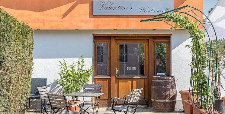 Fliesen bei Valentinos Weinkarussell