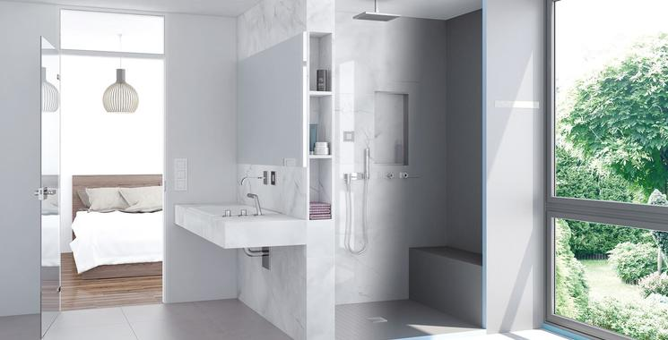Dusche mit Sitzbank und wedi Nischen - Wellnessoase & Stauraum