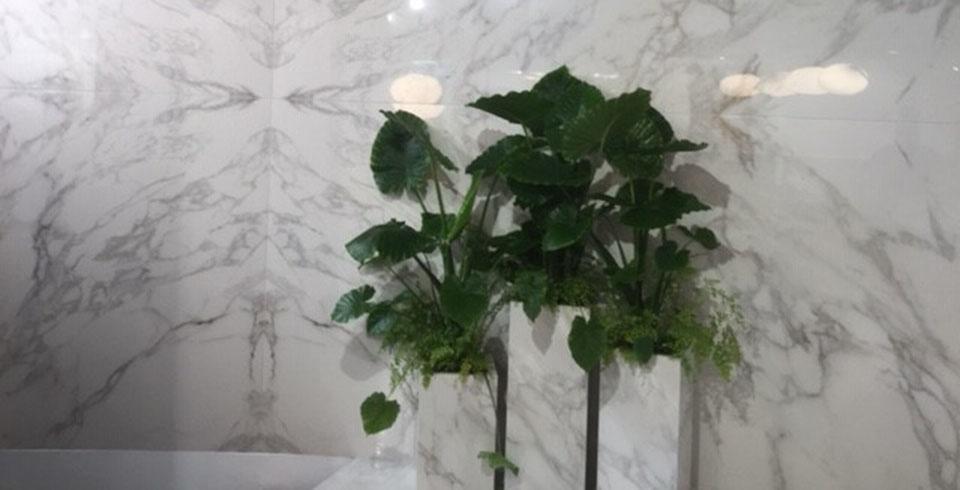 Vasen aus Feinsteinzeug - Cersaie 2019