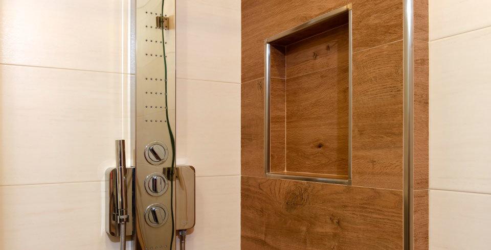 matt und glanzende fliesen kombinieren bad ~ raum- und möbeldesign ... - Matt Und Glnzende Fliesen Kombinieren Bad